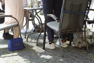Pod stolem I.