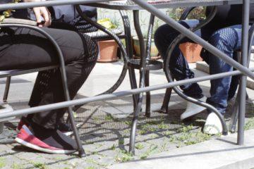 Pod stolem III.